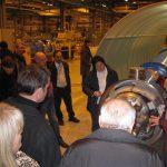 CERN 6 Prof vor dem Teichenbeschleuniger